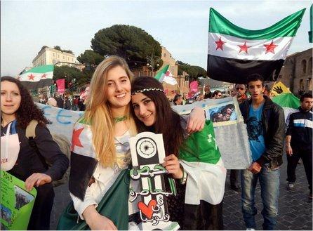 Vanessa Marzullo  Greta Ramelli Bandiera Flga Free Syrian Army