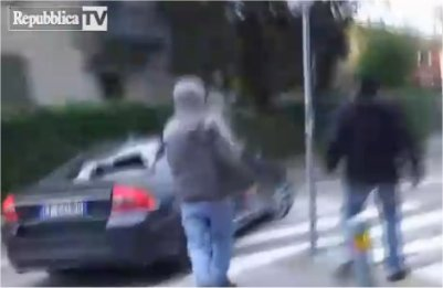salvini auto distrutta bologna