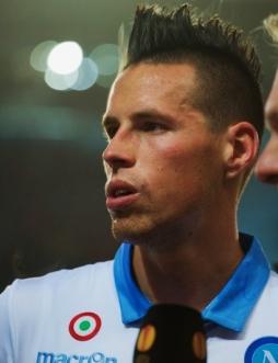 Hamsik Dinamo-Napoli_Wikipedia
